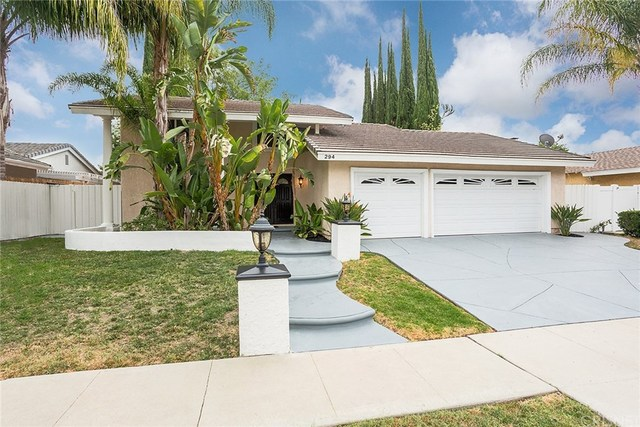 294 North Sabra Avenue Oak Park, CA 91377