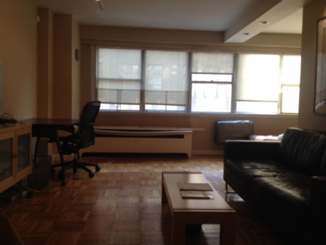 430 West 34th Street, Unit 7A Image #1