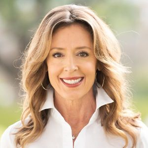 Dee Dee Guggenheim Howes, Agent in Houston - Compass