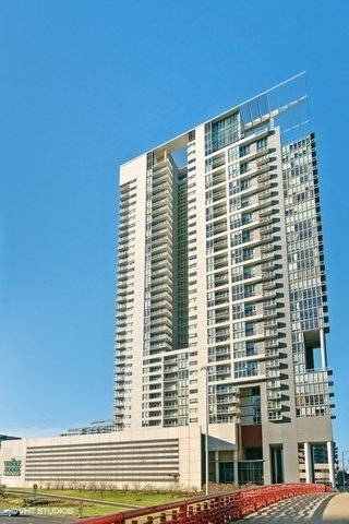 737 West Washington Boulevard, Unit 1304 Chicago, IL 60661