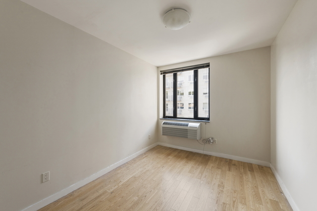 59 Orient Avenue, Unit 4B Brooklyn, NY 11211