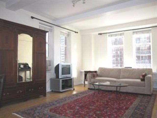 405 West 23rd Street, Unit 8B Image #1