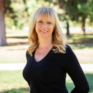 Lynette Bishop, Agent in Los Angeles & Orange County - Compass