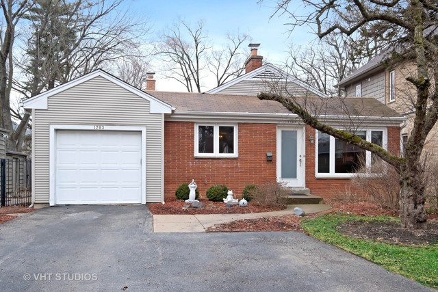 1703 Beverly Place Highland Park, IL 60035