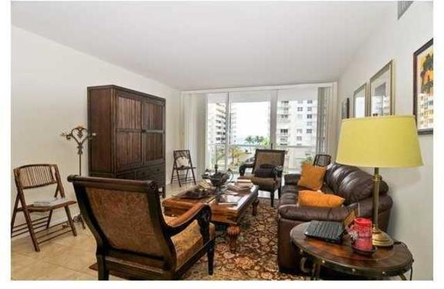 5700 Collins Avenue, Unit 6C Image #1