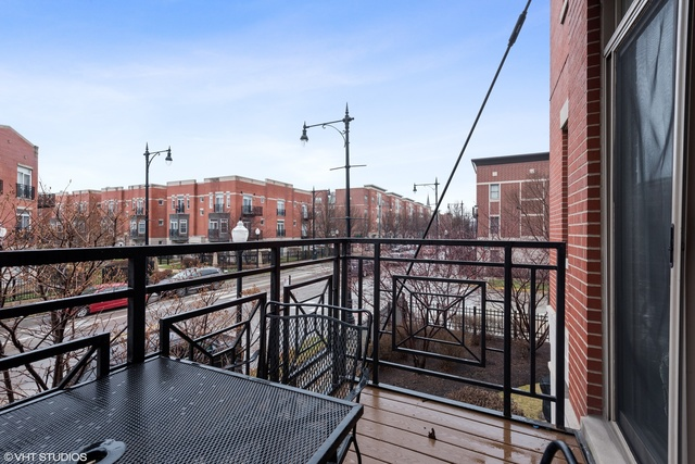 1407 South Halsted Street, Unit 2B Chicago, IL 60607