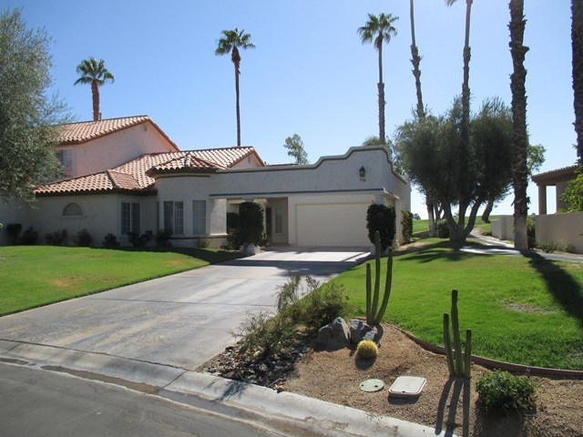 715 Vista Lago Circle North Palm Desert, CA 92211