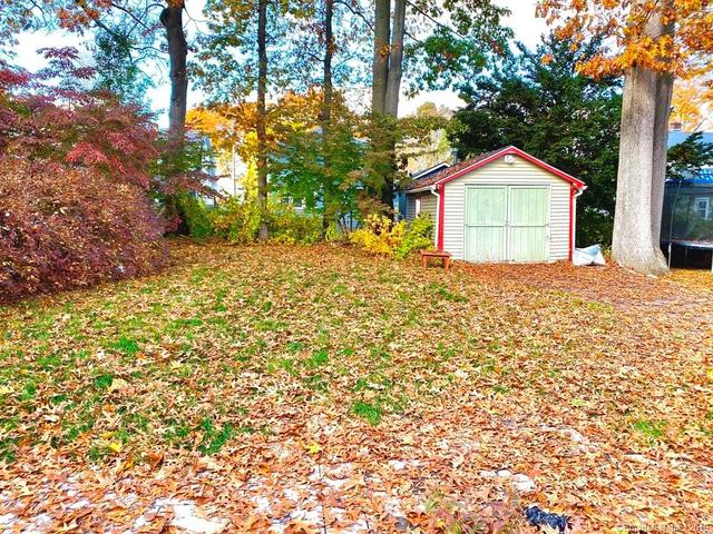 18 Hillcrest Road East Hartford, CT 06108