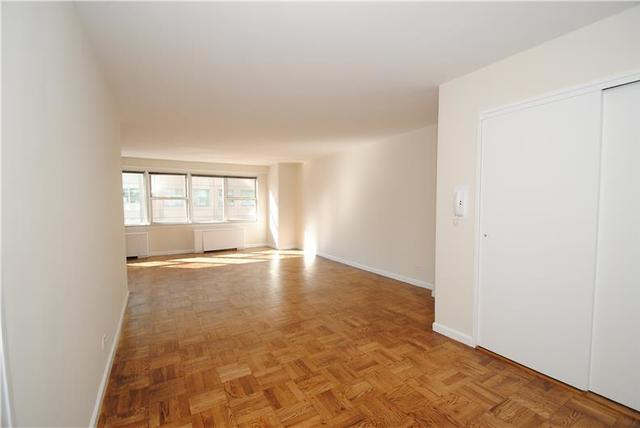 155 East 34th Street, Unit 4L Image #1