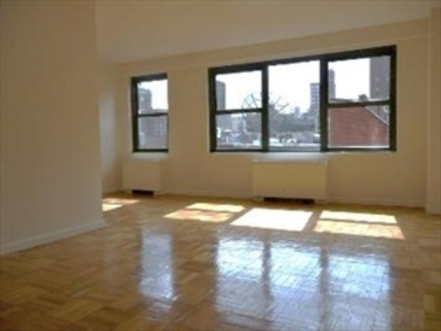 200 East 27th Street, Unit 7A Image #1