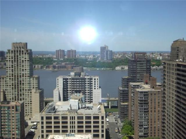 160 West 66th Street, Unit 29A Image #1