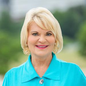 Rebecca Graves, Agent in Austin - Compass