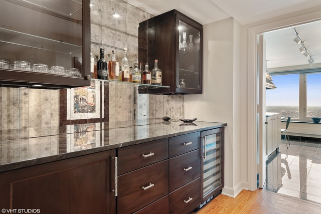 132 East Delaware Place, Unit 5701 Chicago, IL 60611