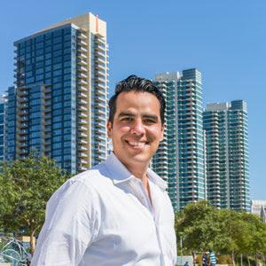 Jorge Castellon, Agent in San Diego - Compass