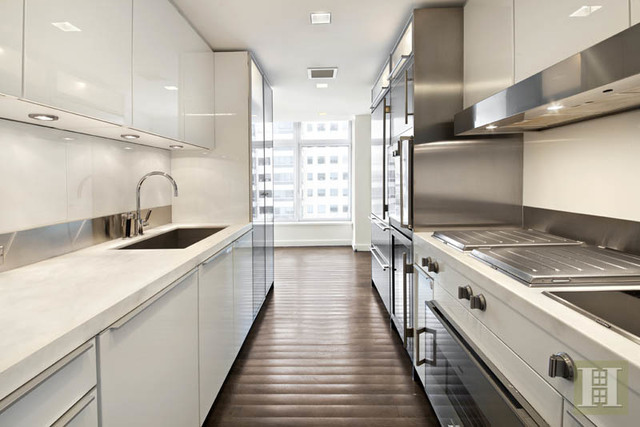 400 East 67th Street, Unit 15D Image #1