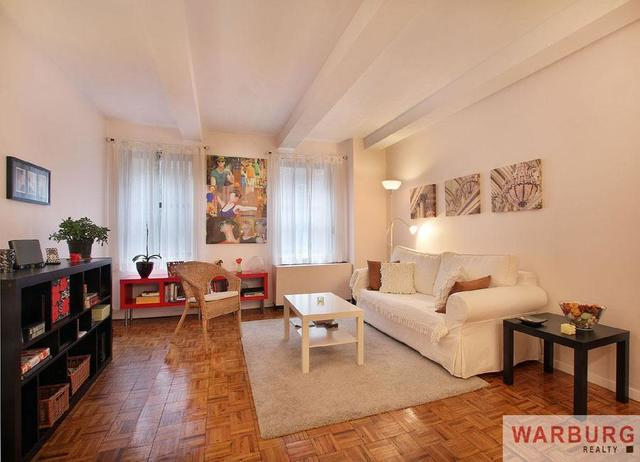 235 East 49th Street, Unit 3G Image #1