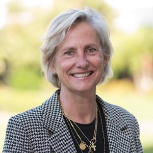 Pippa Davis,                     Agent in Santa Barbara & Montecito - Compass