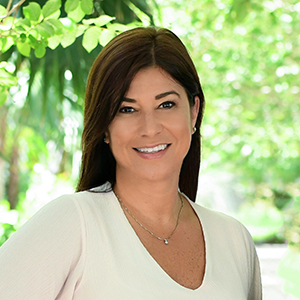 Maria Macias, Agent in Miami - Compass