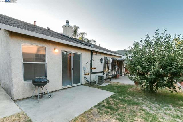 2882 Glider Court Ceres, CA 95307