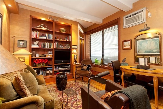 170 West 74th Street, Unit 208 Image #1