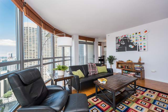 125 South Jefferson Street, Unit 3002 Chicago, IL 60661