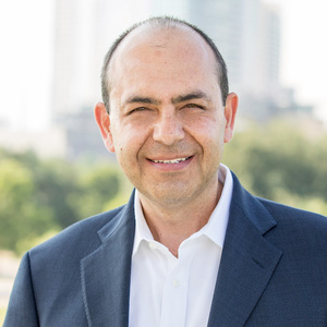 Juan Alonso, Agent in Austin - Compass