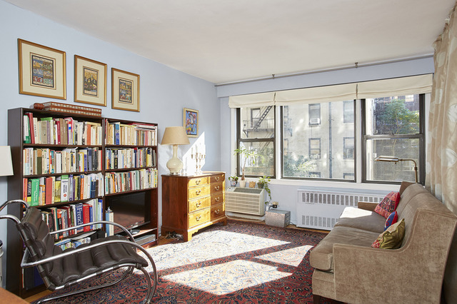245 East 24th Street, Unit 3J Image #1