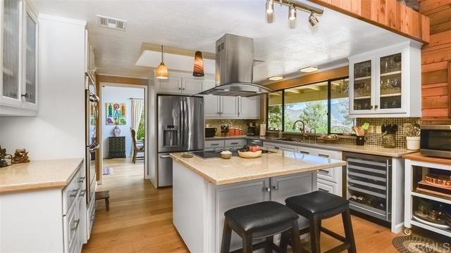 3055 Via Viejas Alpine, CA 91901