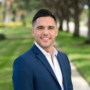 Petar Radulovic,                       Agent in Miami - Compass