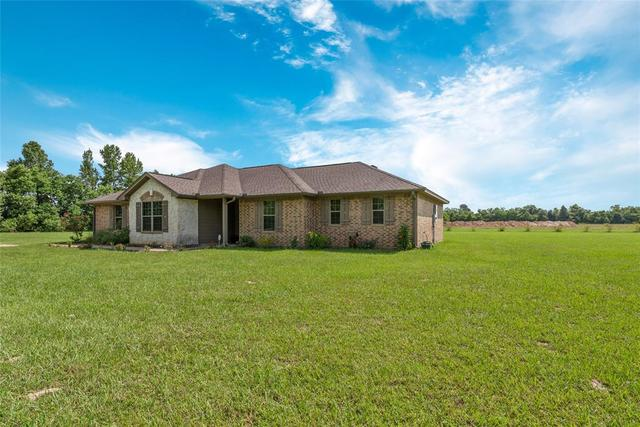 198 County Road 2239 Cleveland, TX 77327