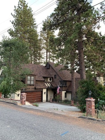 27987 St Bernard Lane Lake Arrowhead, CA 92352