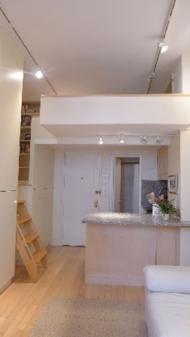 453 West 22nd Street, Unit 1R Image #1