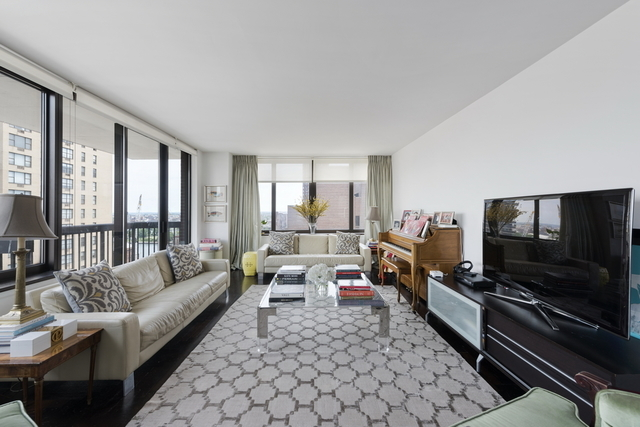 422 East 72nd Street, Unit 20A Image #1