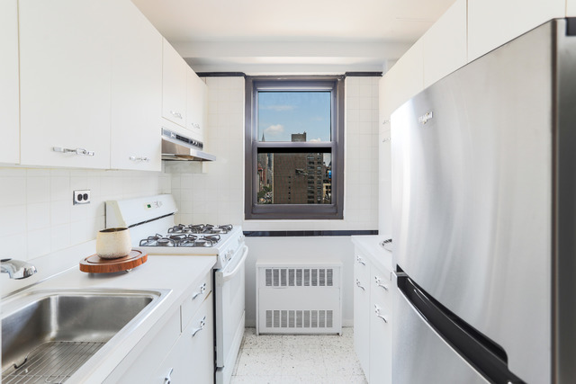 201 East 21st Street, Unit 15E Manhattan, NY 10010