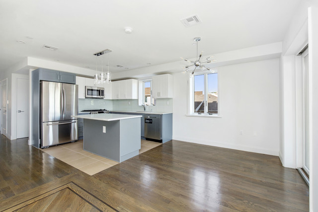225 Ave M, Unit 4 Image #1