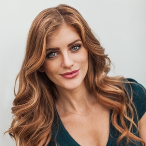 Kate McQueen,                     Agent in Los Angeles - Compass