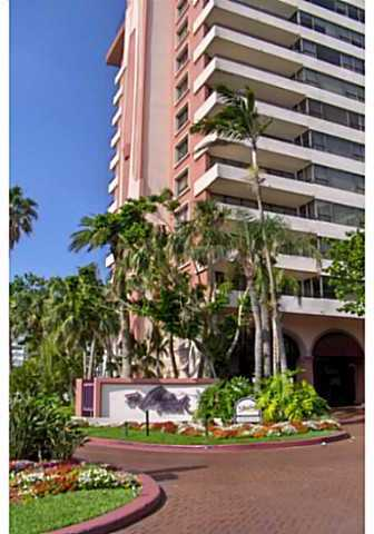 5225 Collins Avenue, Unit 509 Image #1