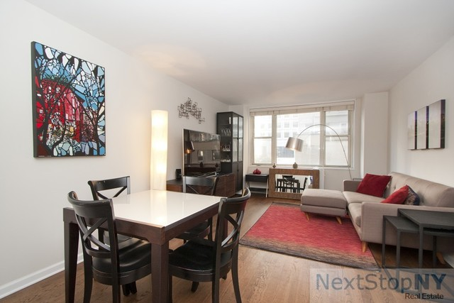 245 East 54th Street, Unit 10C Image #1