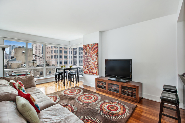 350 West 42nd Street, Unit 21D Image #1