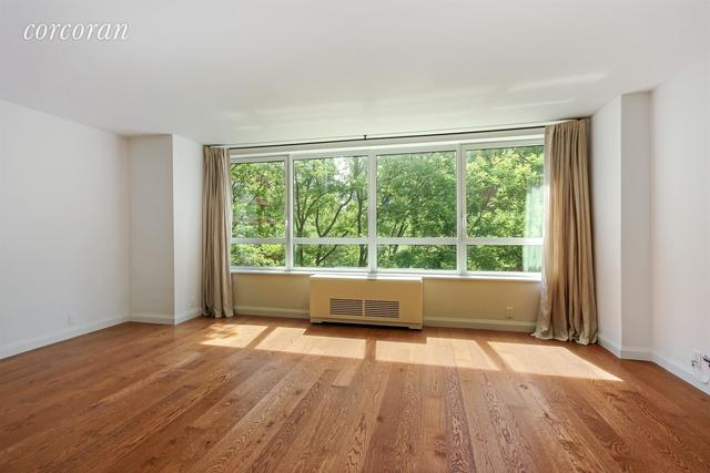 200 East 94th Street, Unit 305 Image #1