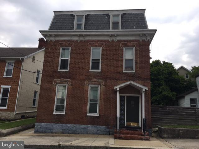 33 South Penn Street Shippensburg, PA 17257