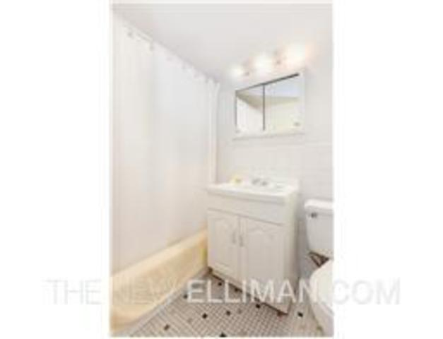430 West 34th Street, Unit 14G Image #1