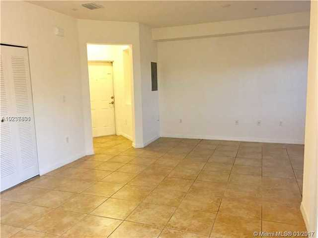 8800 Northwest 107th Court, Unit 221 Image #1