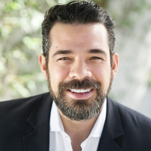Michael Robleto,                     Agent in Los Angeles - Compass