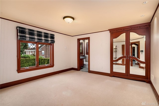 1900 Shenandoah Drive East Seattle, WA 98112