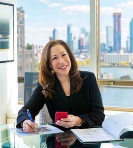 Julie Perlin