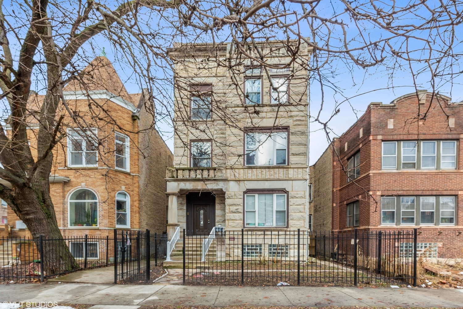 3534 West Fulton Boulevard, Unit 2 Chicago, IL 60624