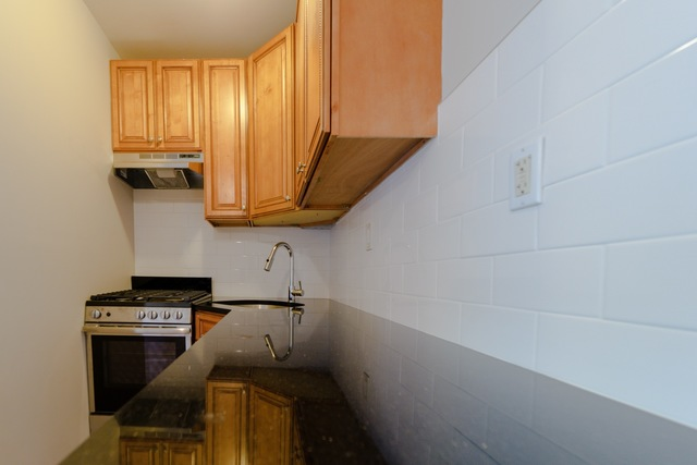306 St James Place, Unit 4R Brooklyn, NY 11238