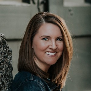 Katy Roberts,                     Agent in Seattle - Compass