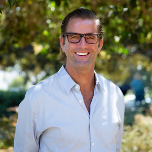 Jonathan Carr,                     Agent in Los Angeles - Compass